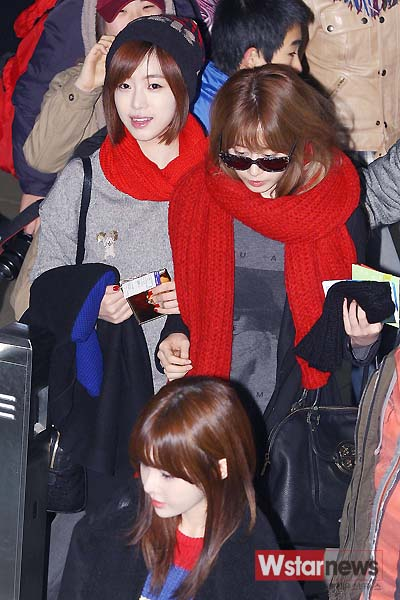 t-ara airport pictures to japan december 24 2012 (1)