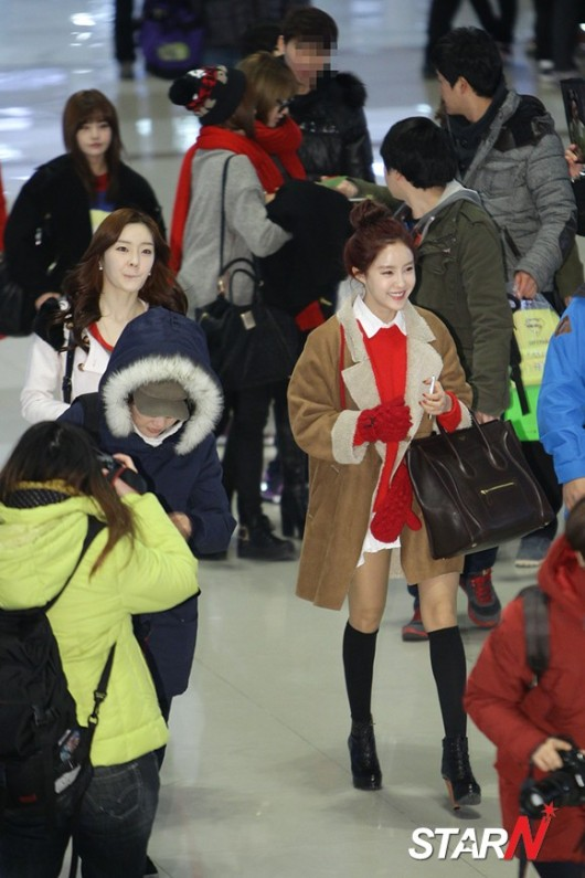 t-ara airport pictures to japan december 24 2012 (12)