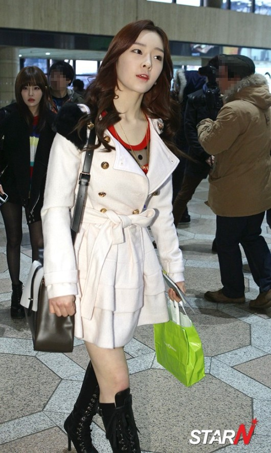 t-ara airport pictures to japan december 24 2012 (15)