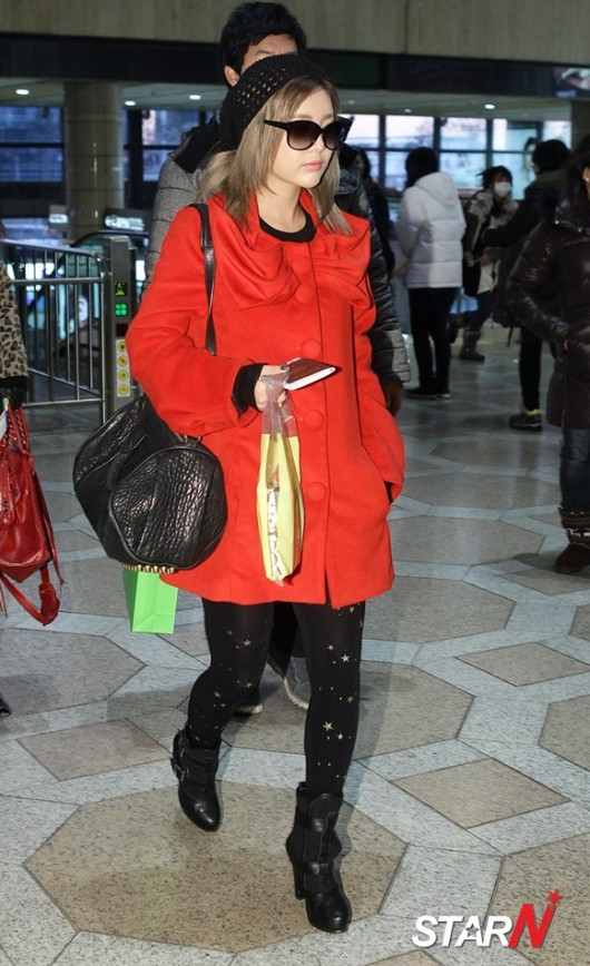 t-ara airport pictures to japan december 24 2012 (17)