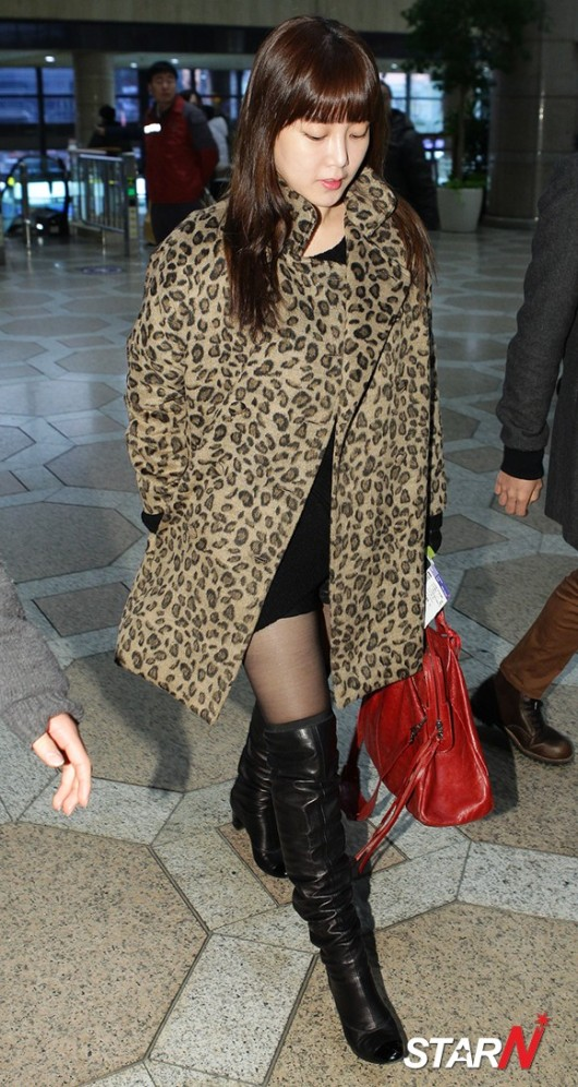 t-ara airport pictures to japan december 24 2012 (18)