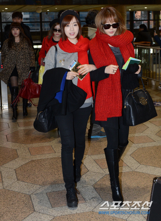 t-ara airport pictures to japan december 24 2012 (34)
