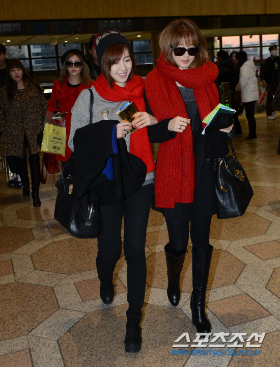 t-ara airport pictures to japan december 24 2012 (35)