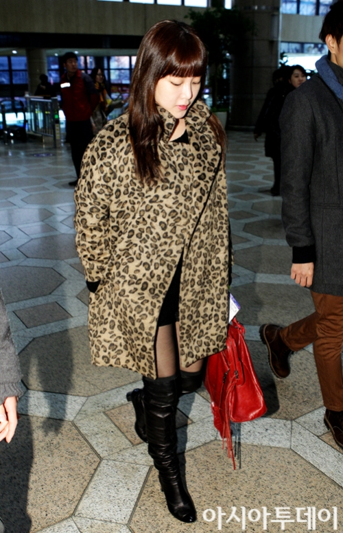 t-ara airport pictures to japan december 24 2012 (7)