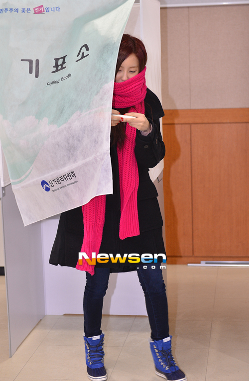 t-ara hyomin vote 2012 presidential election (4)