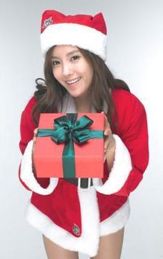 tara-hyomin-santa-4