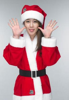 tara-jiyeon-santa-1