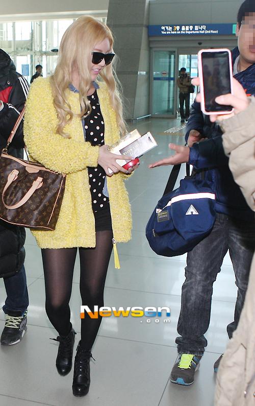 t-ara at airport (4)