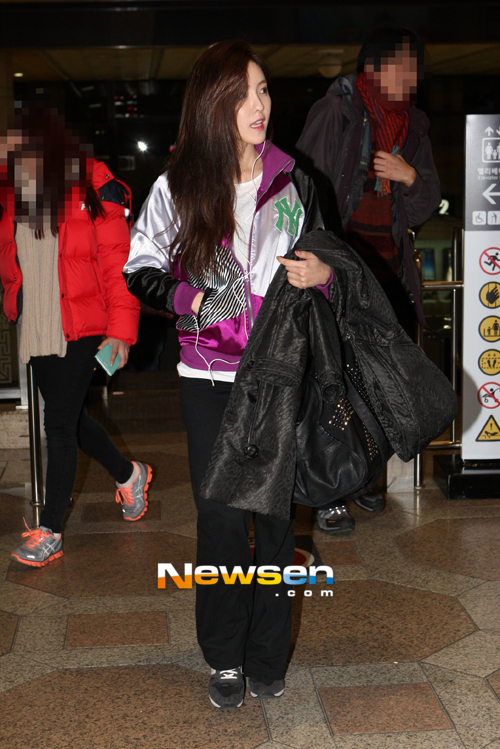 t-ara hyomin goes to Japan for JINX (2)
