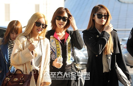 t-ara airport pictures to bangkok (2)
