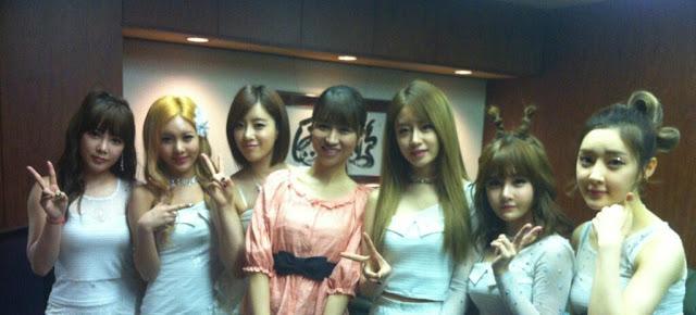 t-ara group photo in japan