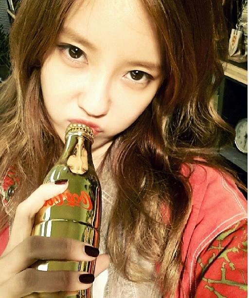 t-ara hyomin gold coca cola (2)
